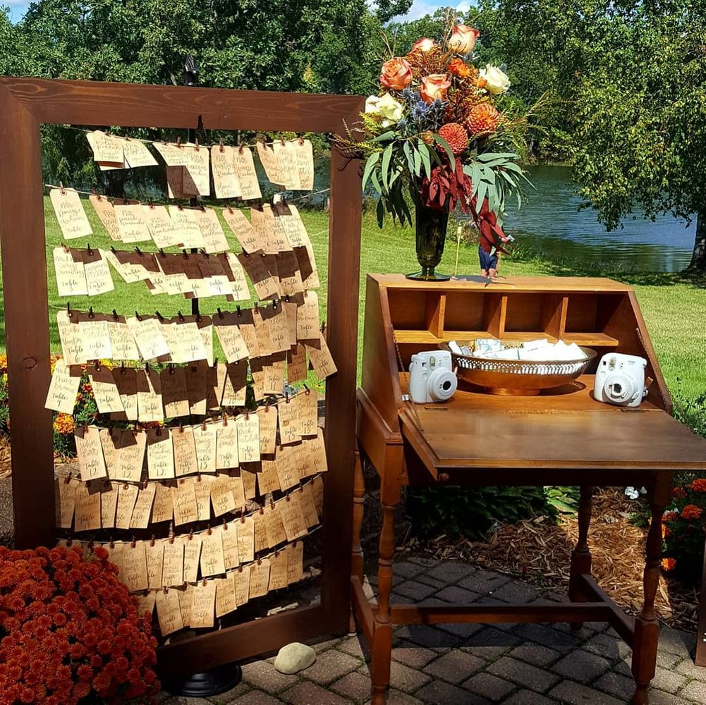 Hunter's Creek Guest Seating Decor