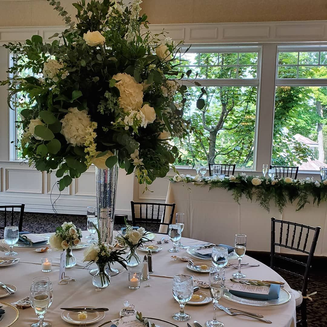 Tree Centerpiece with Floral, Twin Lakes