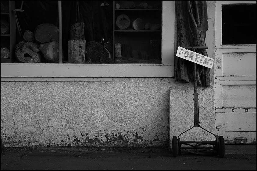 1for_rent_5d_8378_bw.jpg