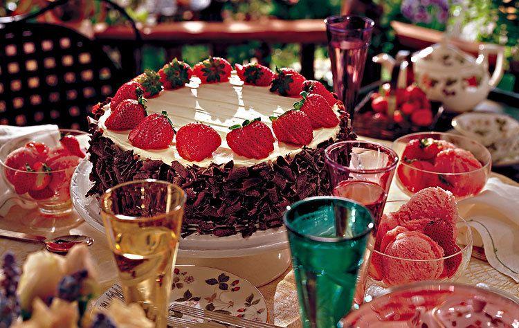 Strawberry CakeStrawberry Cake