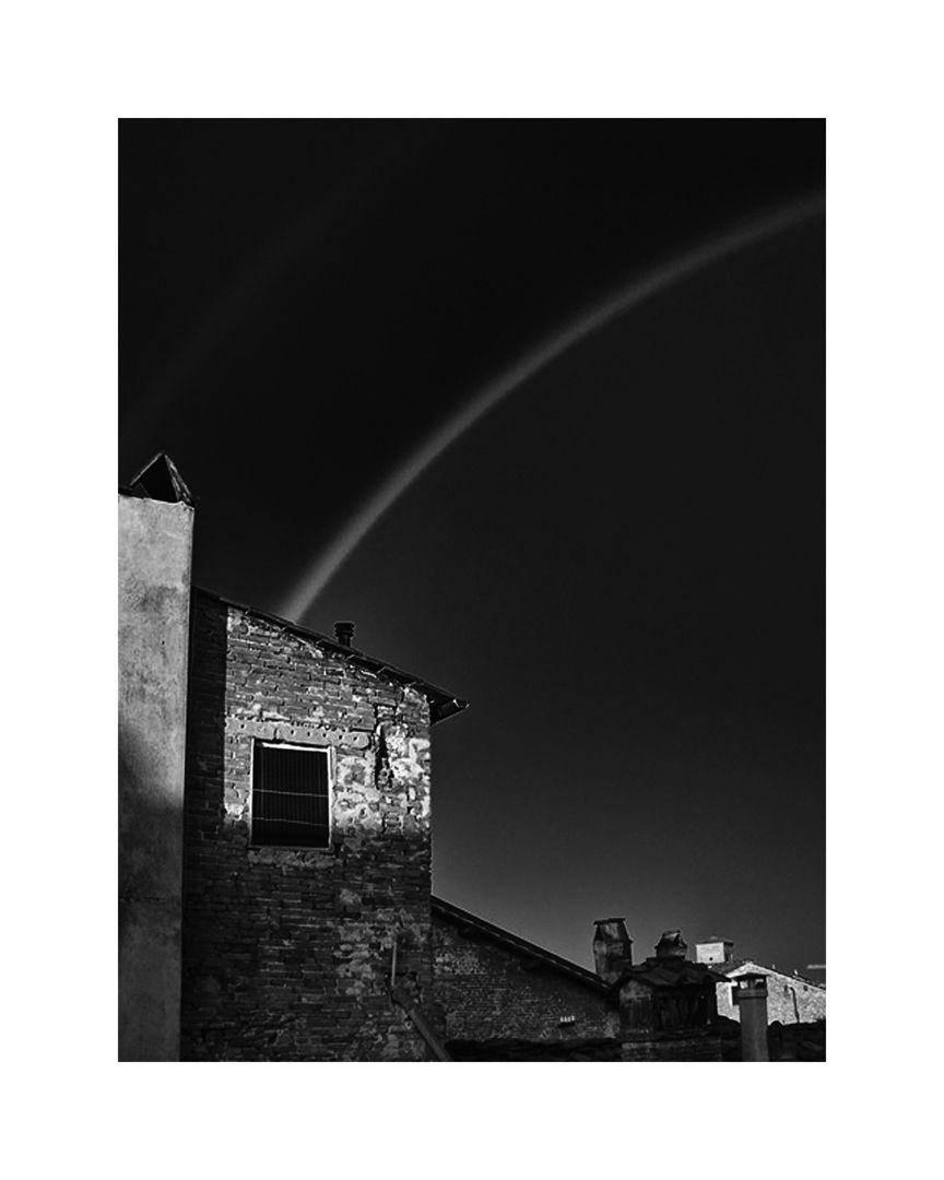 Lucca Rainbow_2445.12x15 b&w.jpg