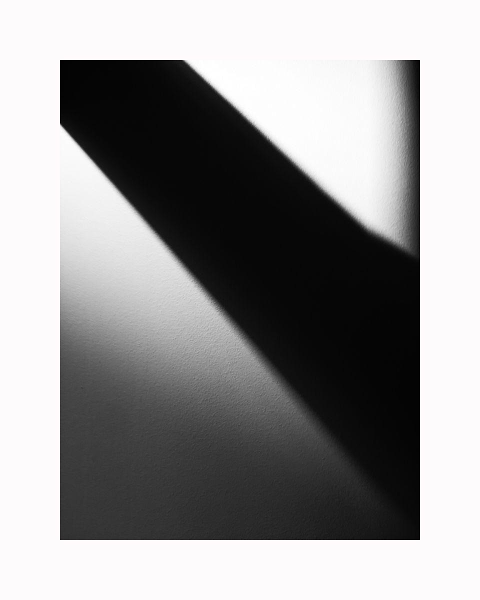 1img_2389_16x20_b_w