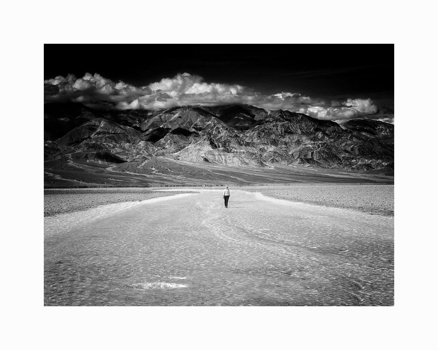1badwater_0766_2_16x20_b_w_surreal