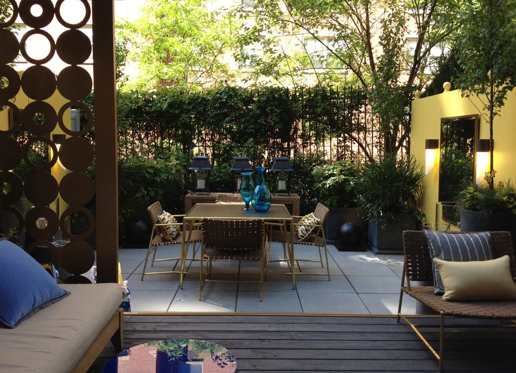 How to Make Outdoor Rooms