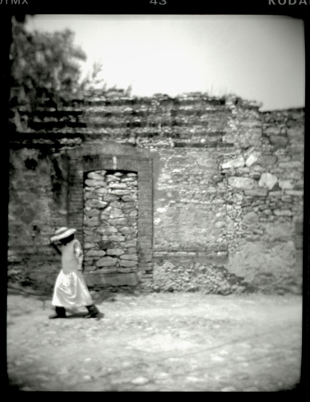 woman in pozos