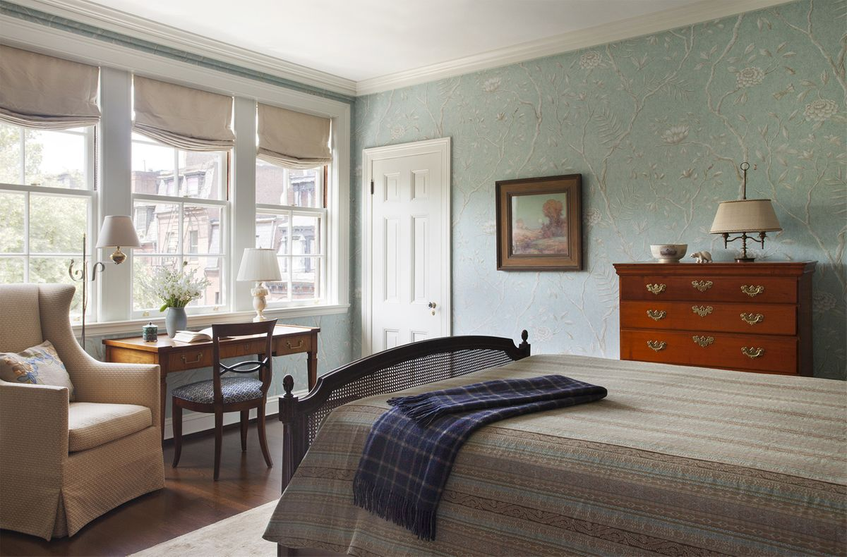 1best_of_boston_interior_decorator_master_bedroom.jpg