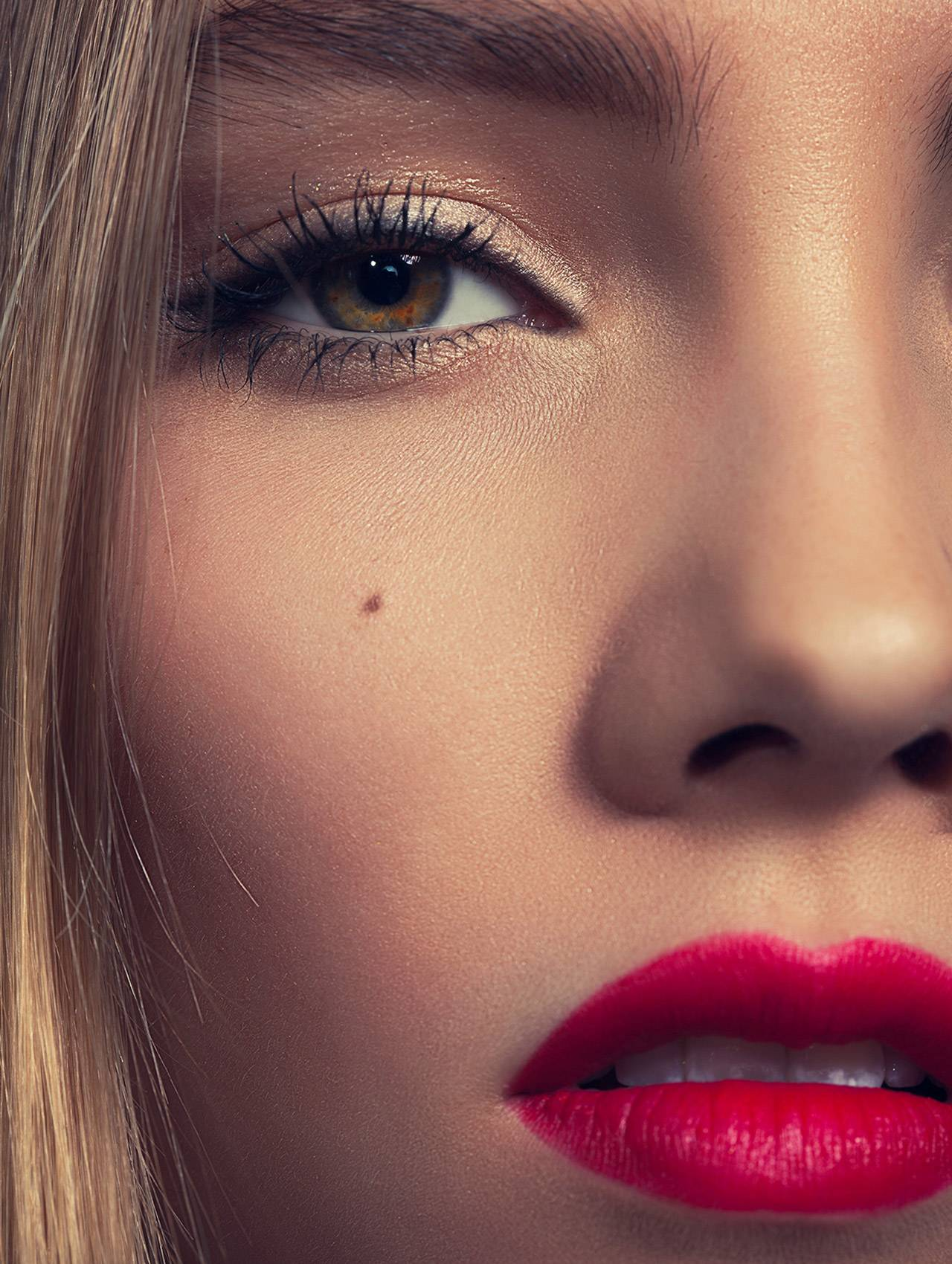 eyeCLOSE.jpg