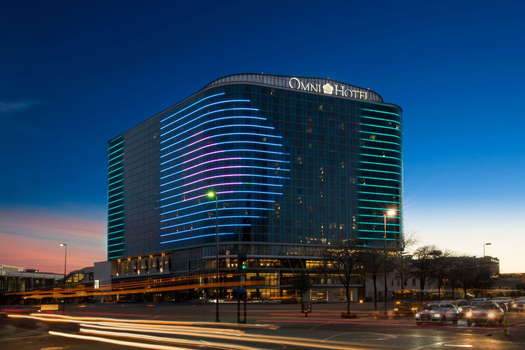 4_1omni_hotel_dallas_sky_hr.jpg