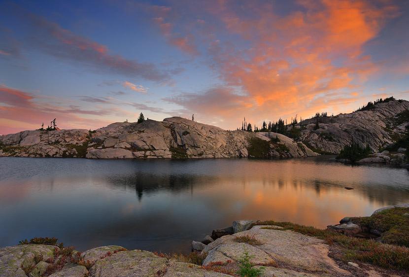 Sunrise Plume over Lower Robin Lake