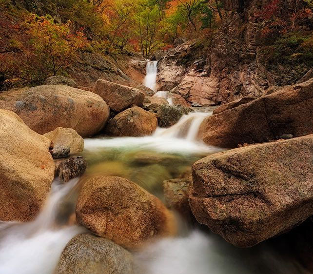 Autumn Cascades on the DaeCheonBong Trail