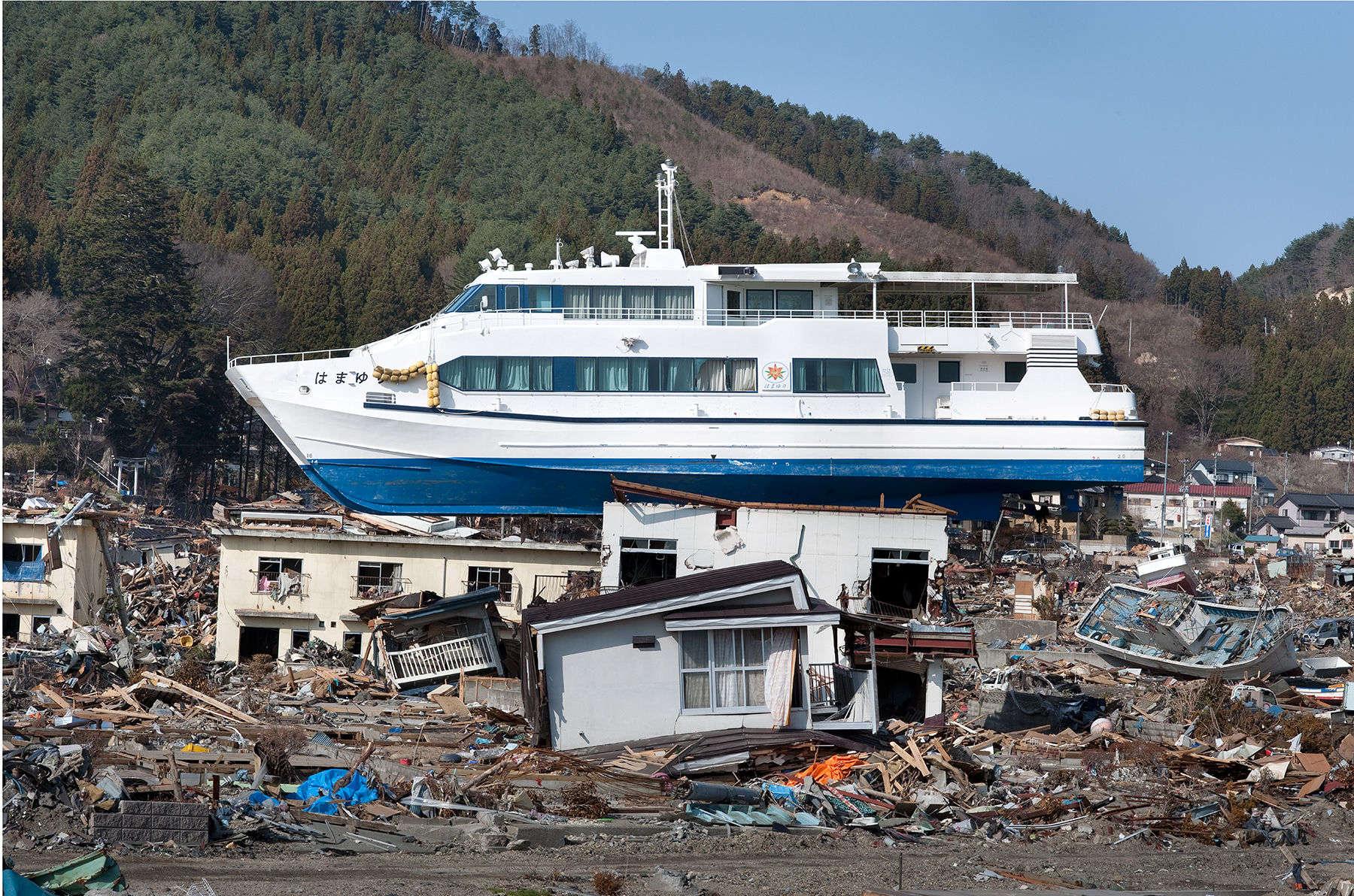 1japan_tsunami_otsuchi_4864_1800px.jpg