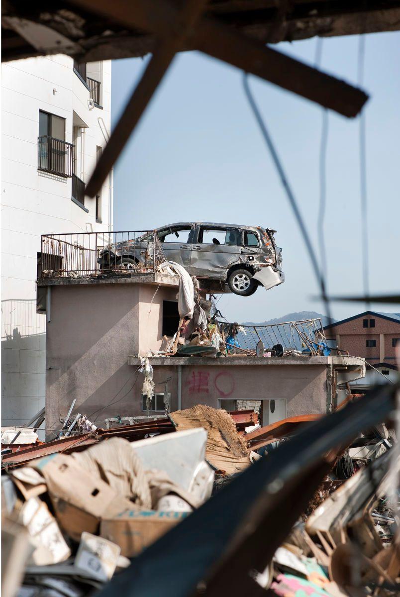 1japan_tsunami_kamaishi_4835_1800px.jpg