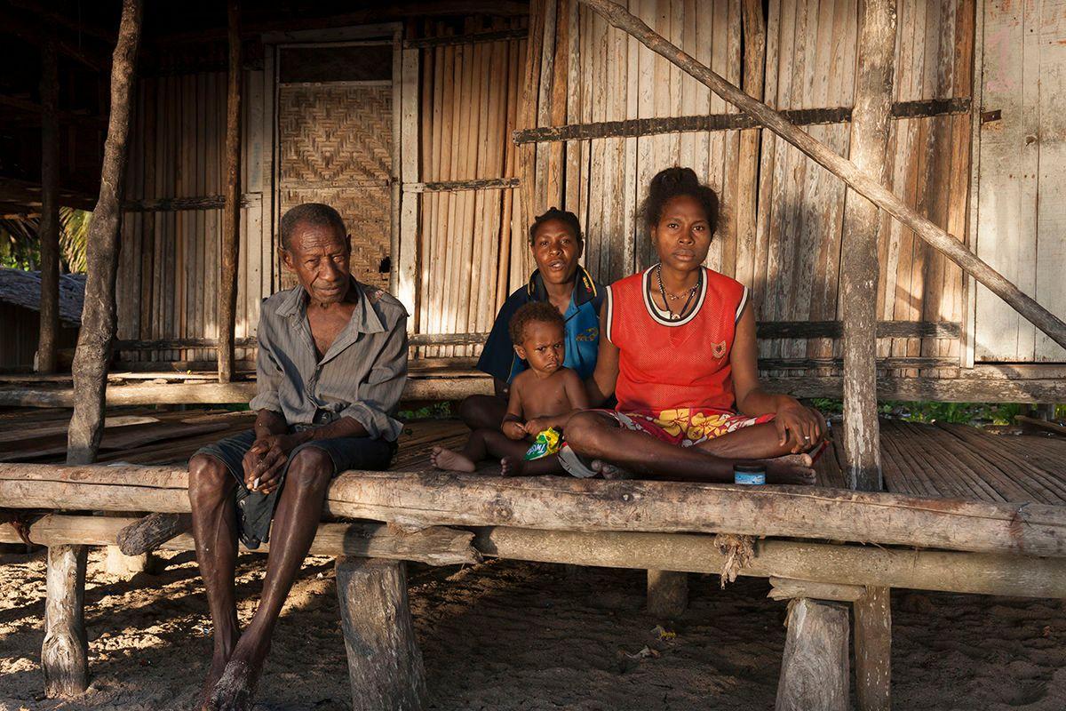 Mushu Island family