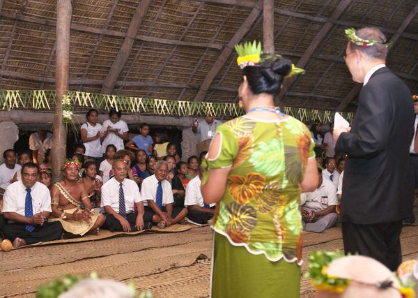 The UN Secretary-General meets Kiribati elders