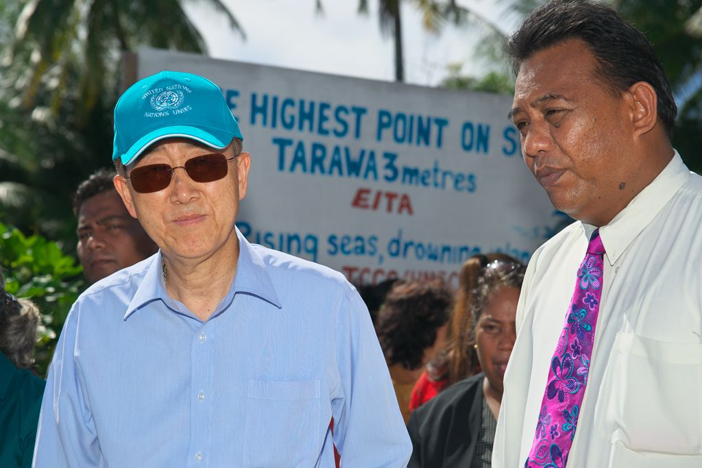 The UN Secretary-General at the highest point (3 meters) of Tarawa