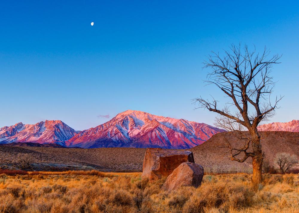 Full Moon Sunrise over the Sierra Crest