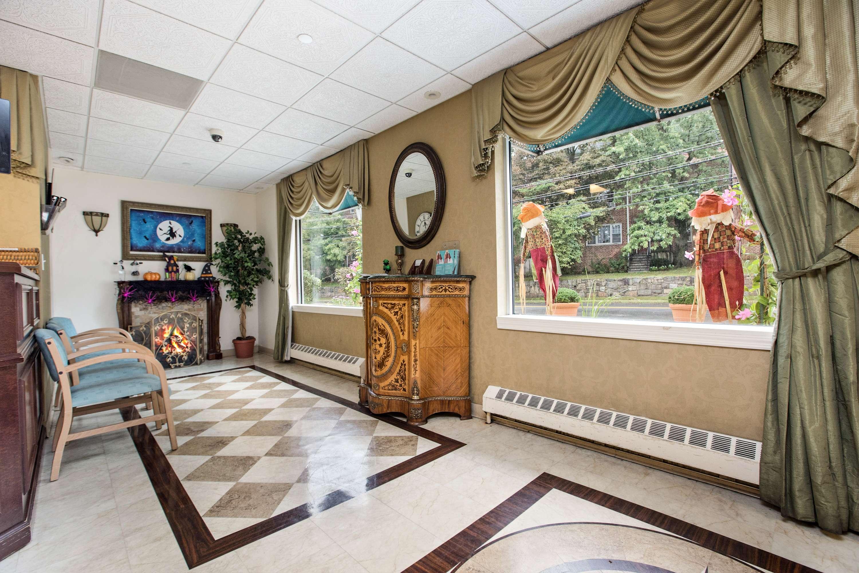 White Plains Center for Nursing Care Lobby