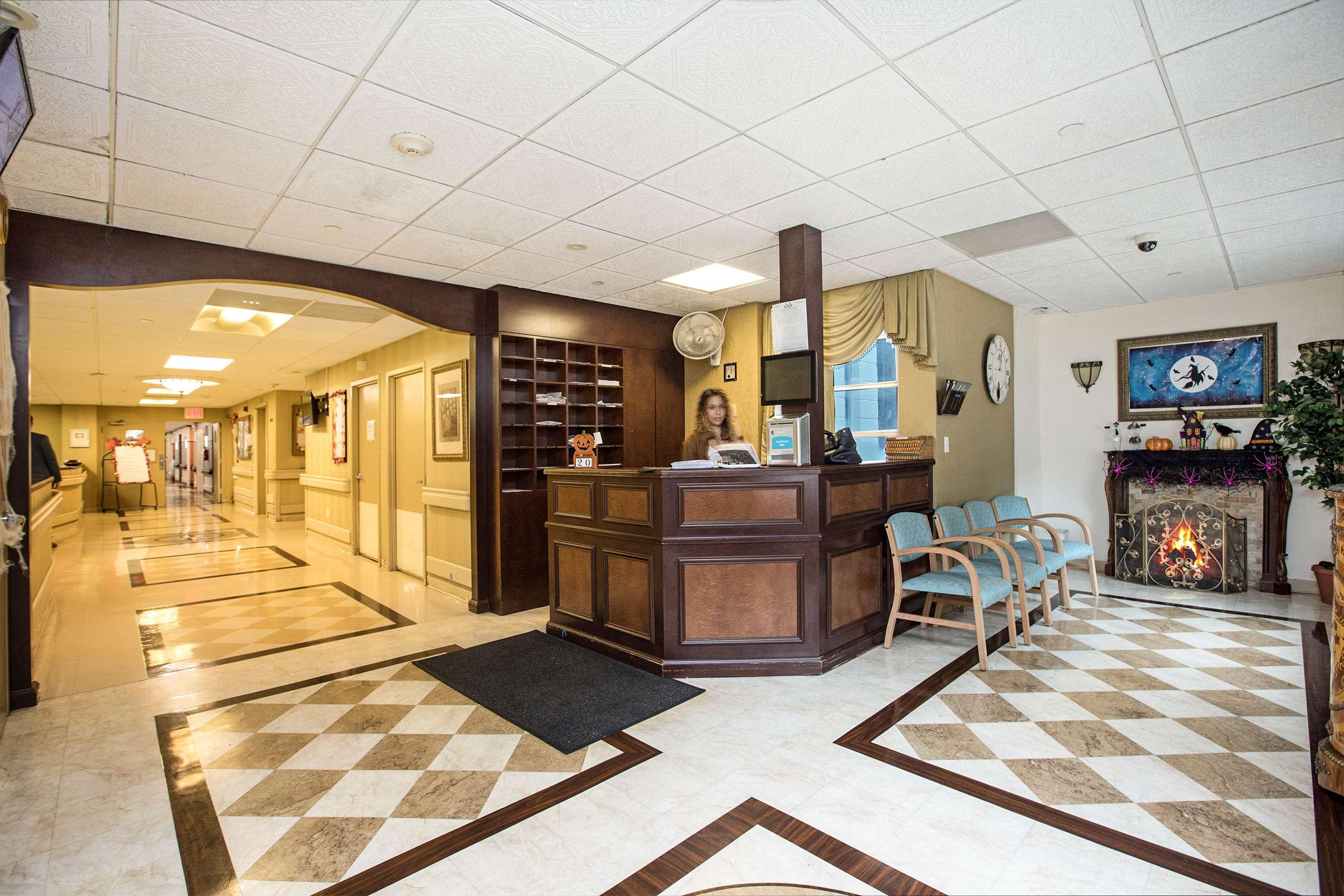 White Plains Center for Nursing Care Reception