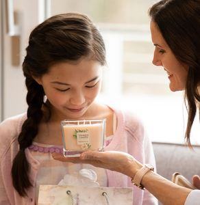 Makeup and Hair by Liz Washer for Yankee Candle