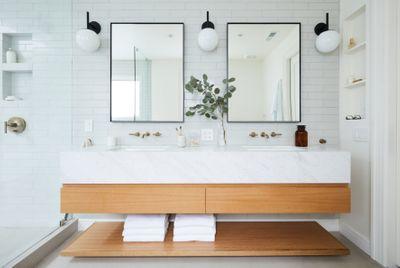 Amy-Bathroom1.jpg