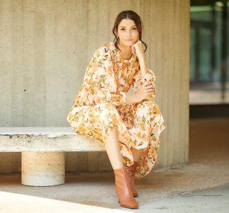AlexD-Spotlight on Dresses with Sleeves 0014.jpg