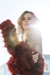 Taylor-Fluff2.jpg