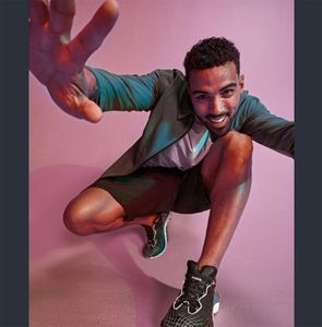 Grooming by @lorigreenedeleo Photos by @davidsalafia Production by @zincproductions Model @vincegotthis @maggieagency For @reebok