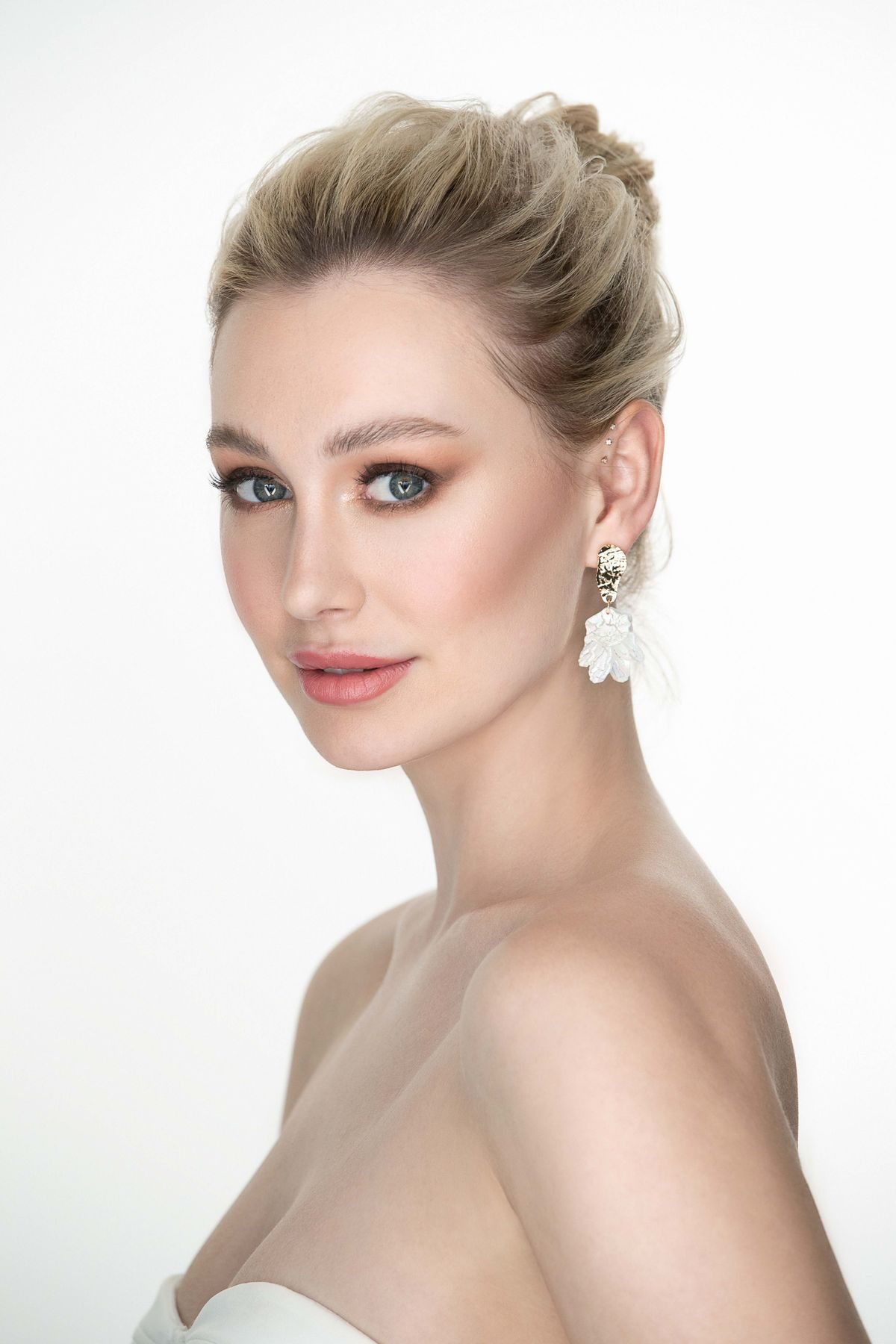 The best bridal makeup artist