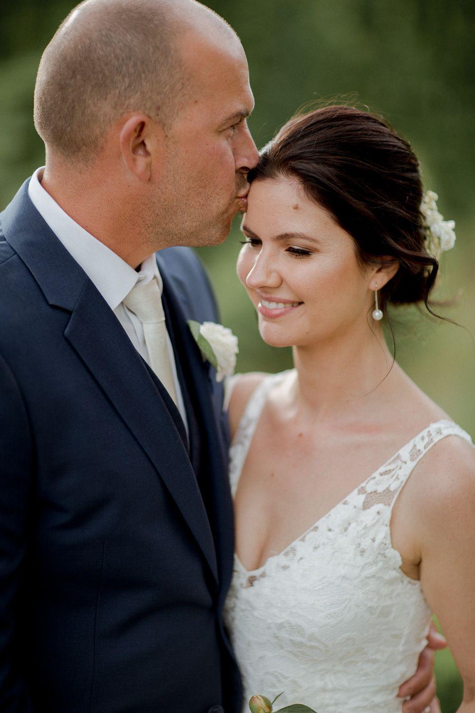 sydney makeup artist bride Laura
