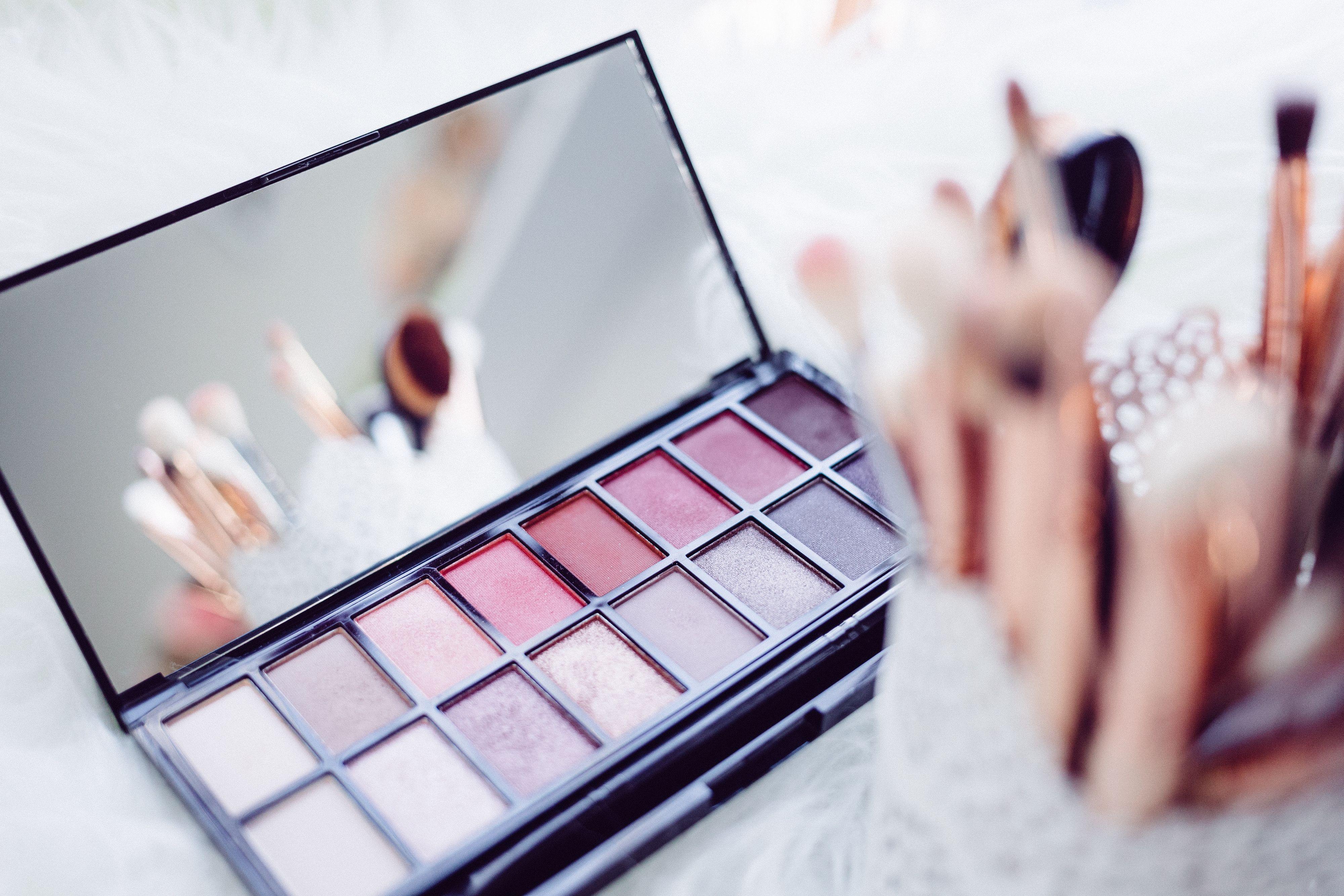 Make up set.jpg