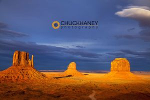 Monument_valley_copy.jpg
