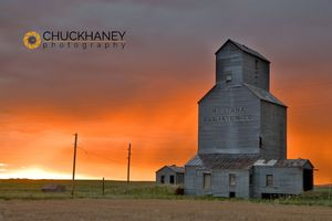 Sipple Granary Sunrise