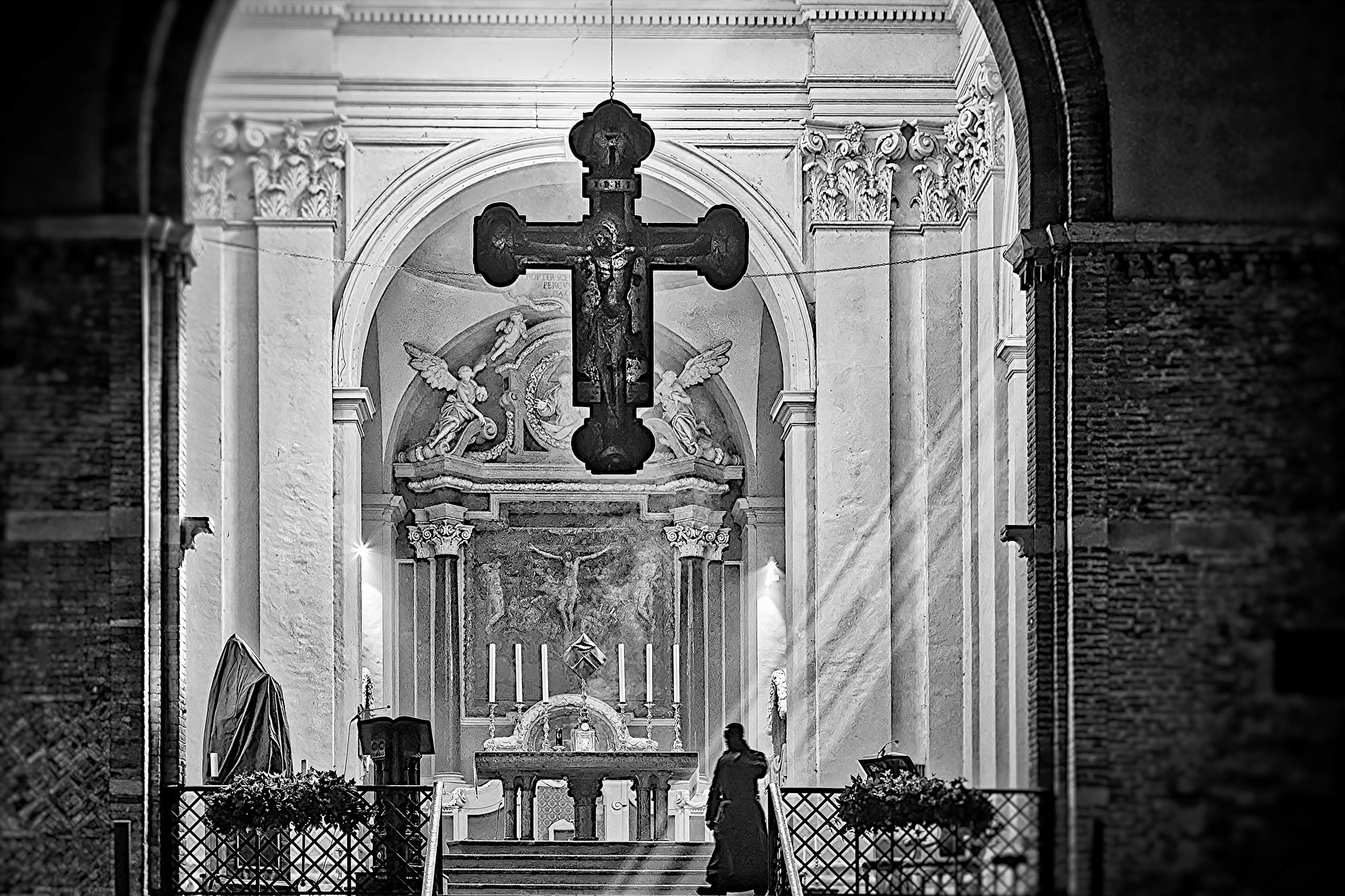 Holy Crucifix Church