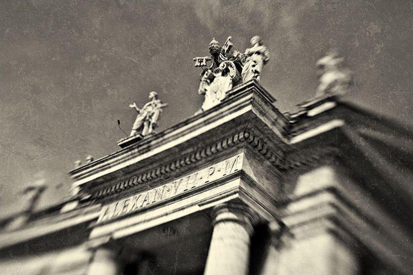 Portal of Pope Alexander VII, Rome 2010