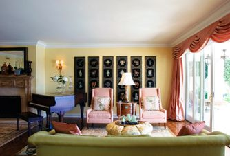 Living room in coral, lime and gold