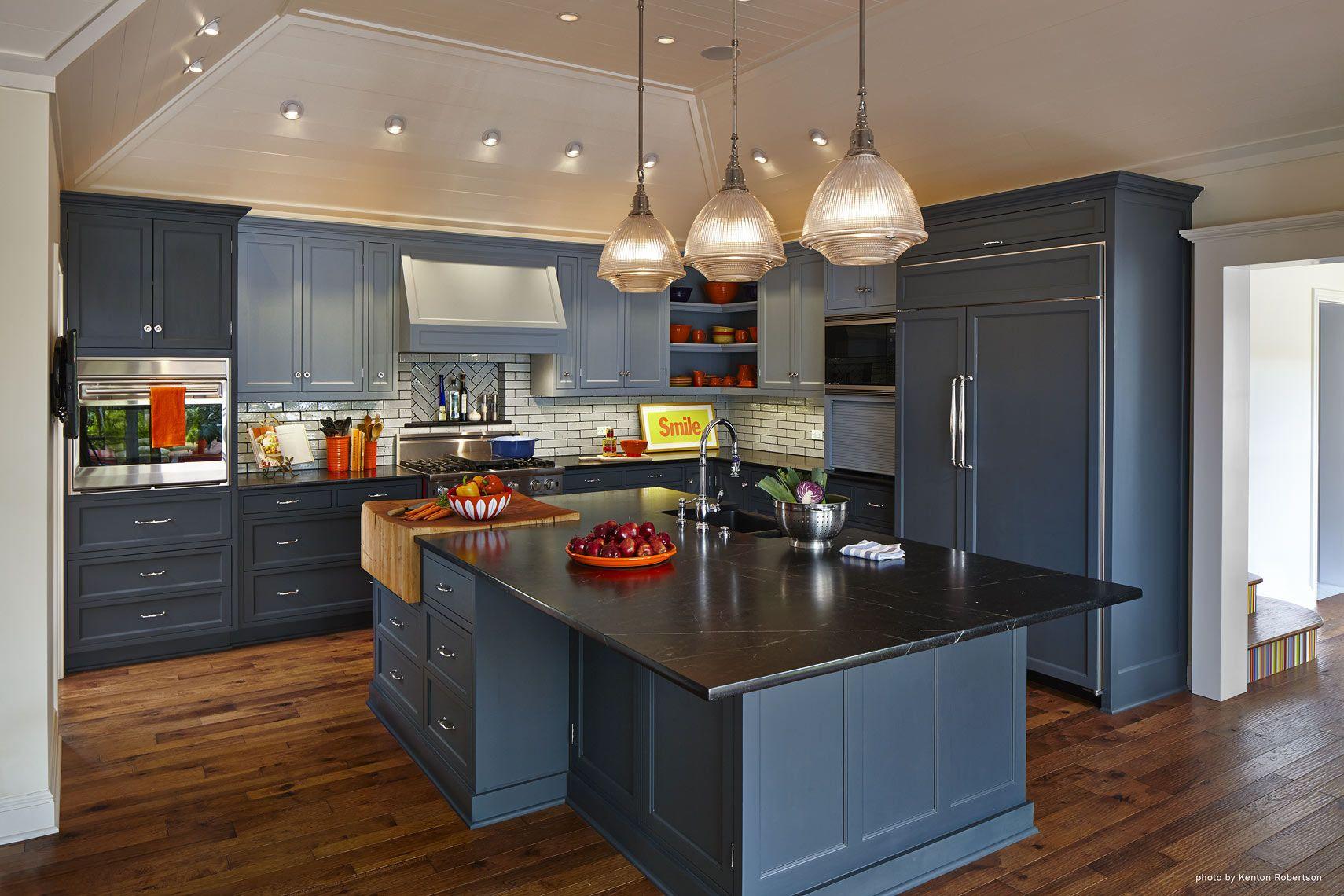Blue kitchen Architect: Jeff W. Troyer