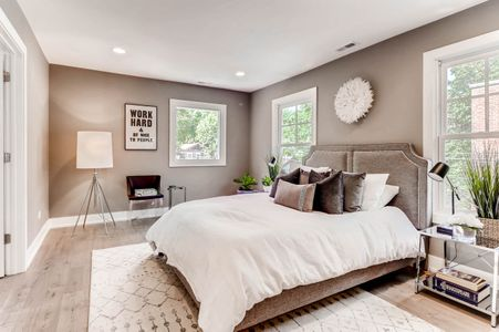 321 Hamilton St Evanston IL-print-015-7-2nd Floor Master Bedroom-2700x1798-300dpi.jpg