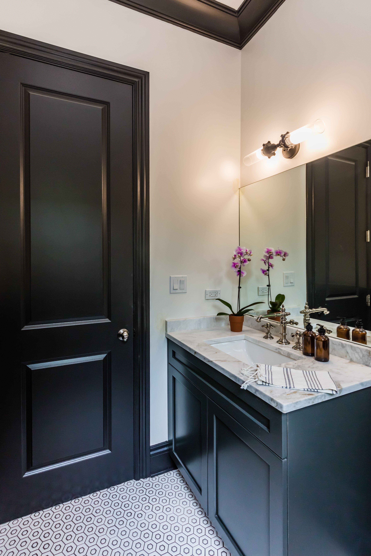 36_1bathroom2.jpg