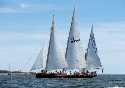 Spirit of Bermuda at the Newport to Bermuda Start 2016