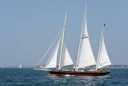 Schooner Spirit of Bermuda sailing in Gloucester