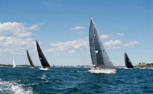Newport to Bermuda Start 2016