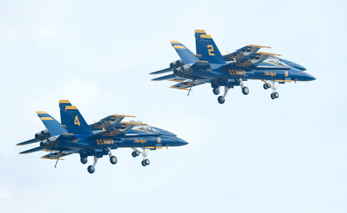 Blue Angels F-18 Superhornets flying in formation