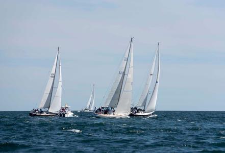 Newport to Bermuda Start 2016