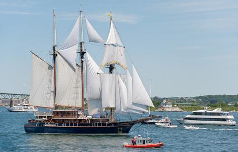 Schooner Peacemaker at Parade of Sail
