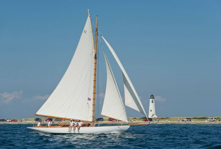 Wachiwi Passing Great Point Light at the Opera House Cup, Nantucket, MA