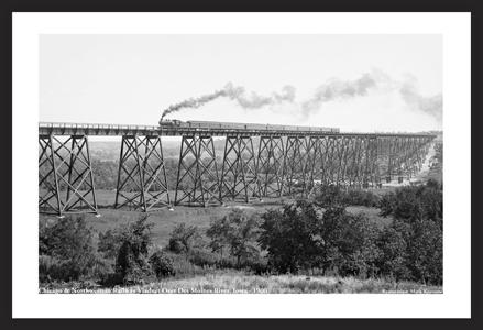 Chicago & NorthWestern Railway viaduct over Des Moines River 1900