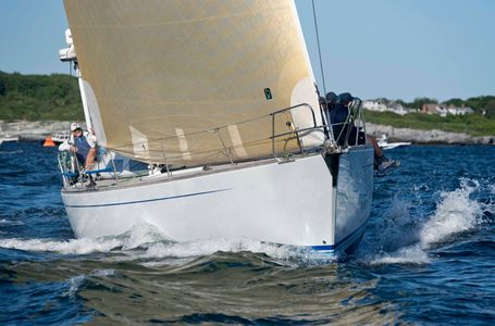 Kinship at the Newport to Bermuda Start 2016