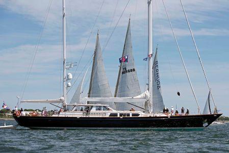 Spirit  of Bermuda and Committee Boat at the Newport to Bermuda Start 2016