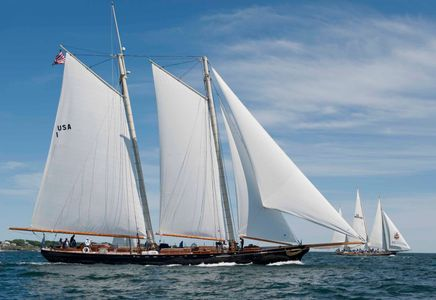 America and the Spirit of Bermuda at the Newport to Bermuda Start 2016