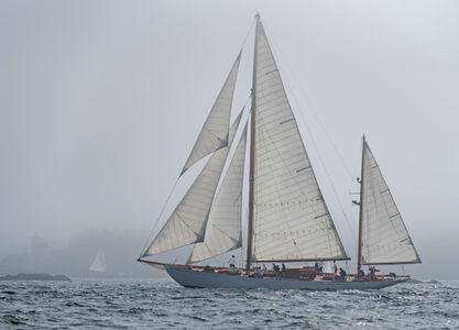 Belle Aventure and lighthouse in the Fog - Fife Classic